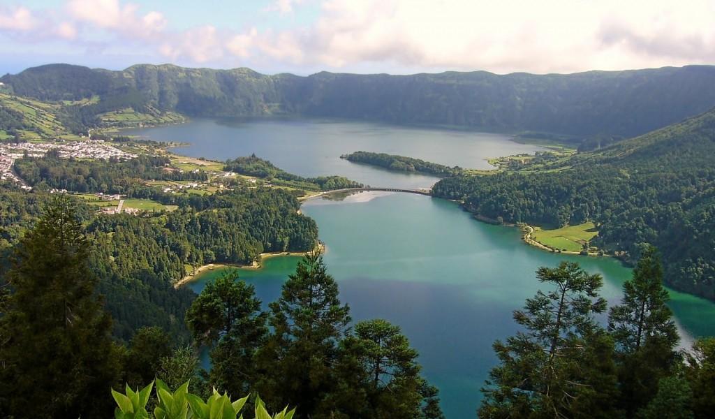 Lagoa das Sete Cidades - Lagoon of the Seven Cities