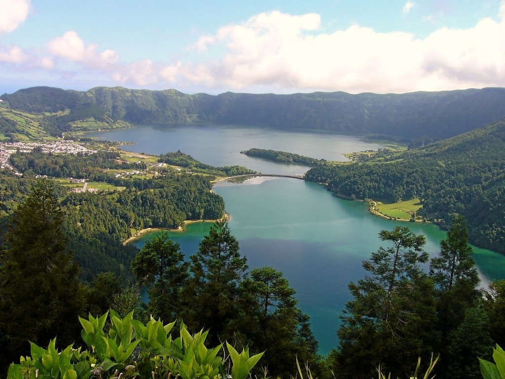 Lagoa das Sete Cidades - Lagoon of the Seven Cities